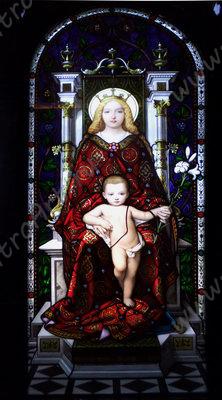 Витраж «Мадонна смладенцем», Бертини.