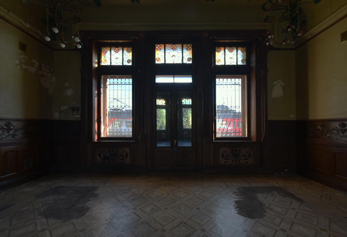 Витражи в Императорском железнодорожном павильоне в Петербурге по адресу Загородный пр., 52 / ул. Введенского кан. Фото 2021